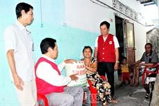 Hết lòng vì công tác nhân đạo từ thiện