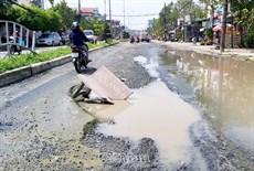 Bao giờ con đường Nguyễn Trãi được sửa chữa?