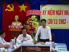 Phó bí thư Tỉnh ủy, Chủ tịch UBND tỉnh Lê Quân chúc mừng 20/11 ngành giáo dục
