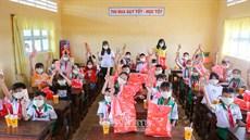 """200 học sinh trường Tiểu học 3 Đất Mũi vui """"Mùa xuân cho em"""""""