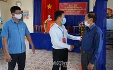 Chủ tịch UBND tỉnh Lê Quân kiểm tra công tác bầu cử ở cơ sở