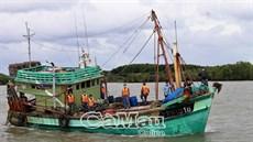 Bắt tàu cá Cà Mau vi phạm vùng biển nước ngoài