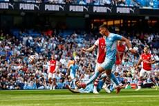Man City đại thắng, Liverpool và Chelsea chia điểm