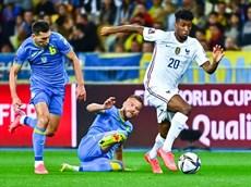 Bảng D và G, Hà Lan đại thắng, Pháp tiếp tục gây thất vọng