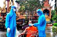 Đồng bào dân tộc Khmer đồng thuận test sàng lọc Covid-19
