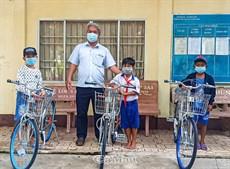Tiếp sức học sinh nghèo
